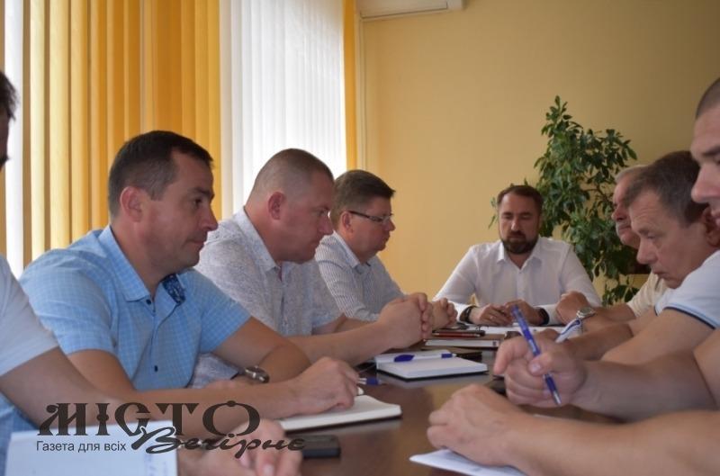 На нараді у Володимир-Волинській РДА обговорили стан вакцинації та долю іваничівської автостанції