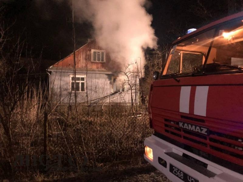 У Володимирі-Волинському горів дерев'яний будинок