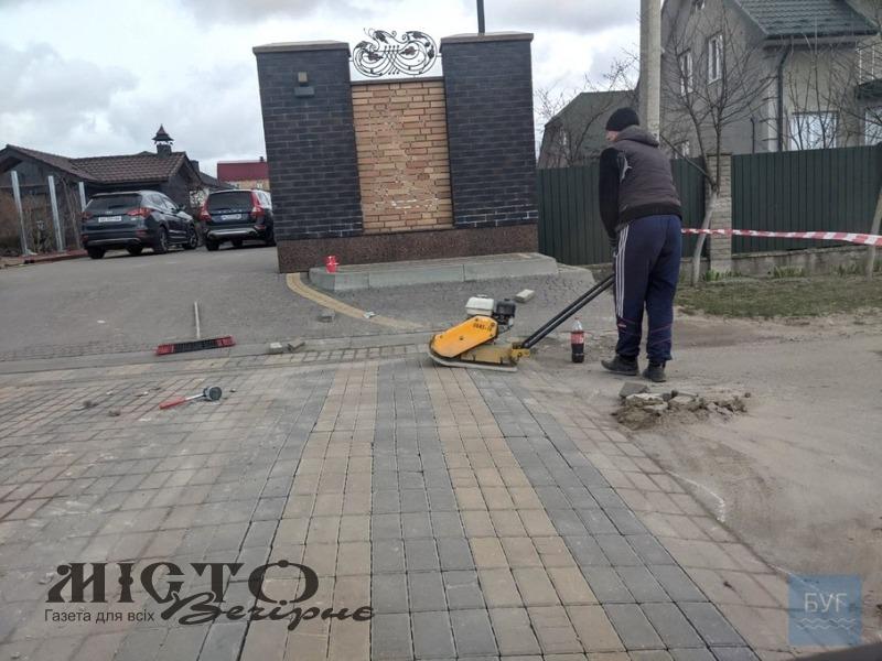 Біля будинку Леді Гаги у Володимирі понизили лежачий поліцейський