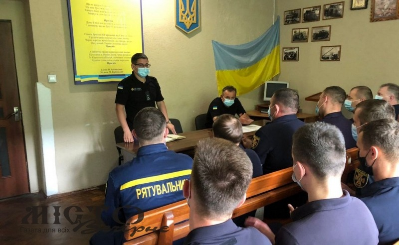 У Володимирі представили керівництво районного управління ДСНС та нагородили за відвагу пожежника