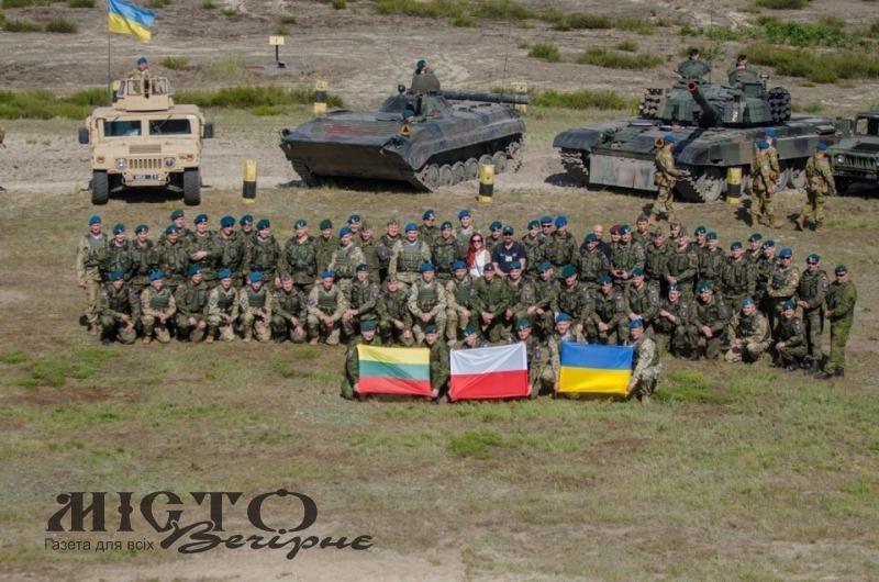 На кордоні з Україною – скупчення польської військової техніки