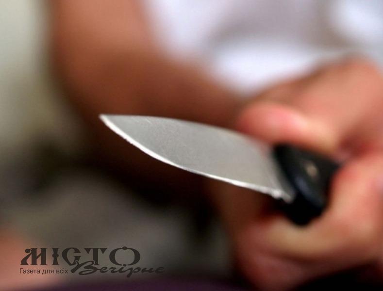 Волинянин порізав ножем дружину та брата, а потім накинувся на поліцейських