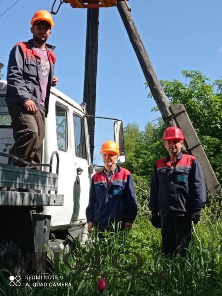 У Суходолах ремонтують лінію електропередач
