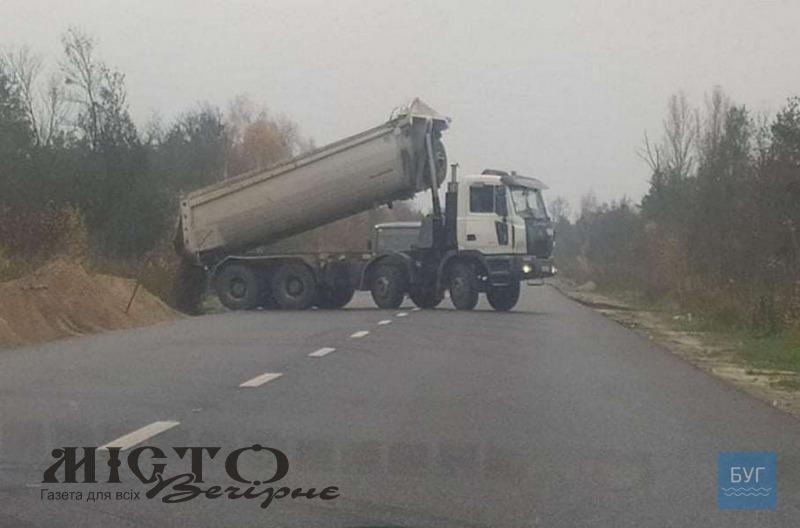 Попереджають про затори і небезпеку на дорогах біля Володимира