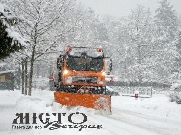 На Володимирщині продовжують чистити дороги від снігу