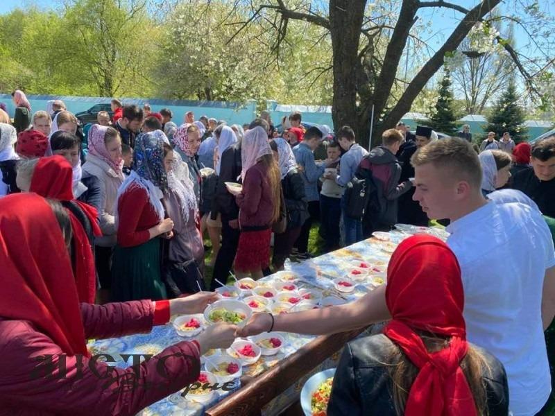 У Володимирі відбулася зустріч православної молоді без масок та дистанції