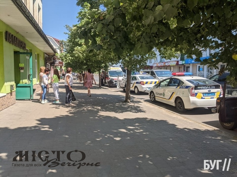 У Володимирі до ювелірного магазину приїжджали кілька екіпажів поліції і швидка