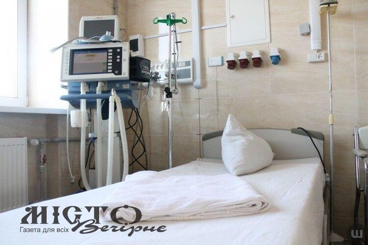 Володимир-Волинський ще на 10 збільшив кількість ліжко-місць для хворих на коронавірус