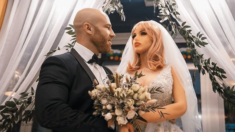 У Казахстані чоловік одружився із секс-лялькою