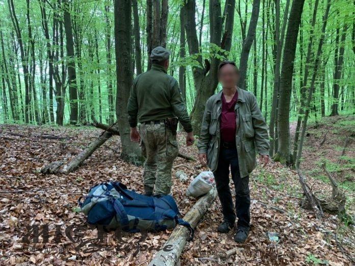 На кордоні затримали німця, який лісом пробирався в Україну