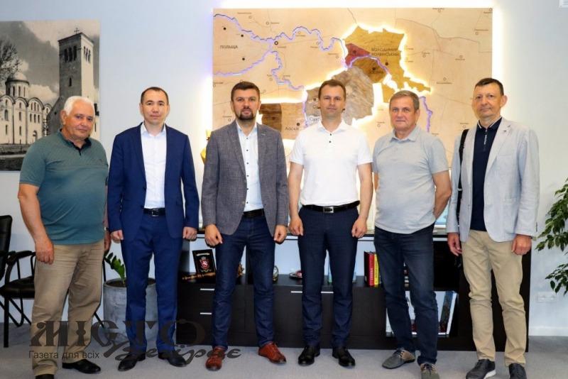 У Володимирі обговорили поточні та планові ремонтні роботи доріг громади