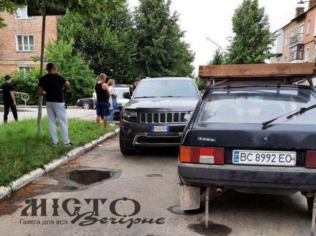 У Нововолинську зіткнулись Jeep та Lada