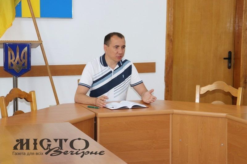 Нові маршрути громадського транспорту та оновлені графіки руху обговорили у міській раді Володимира