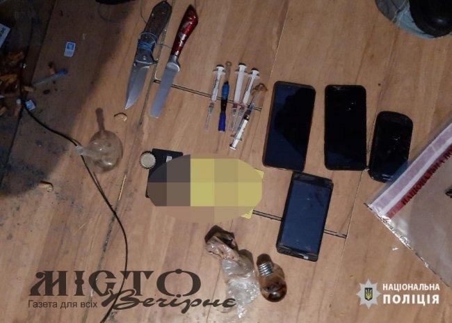 У Нововолинську поліцейські провели масштабні обшуки