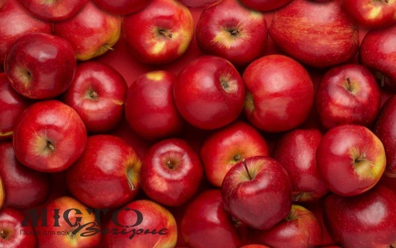Яблука в Україні подорожчають втричі