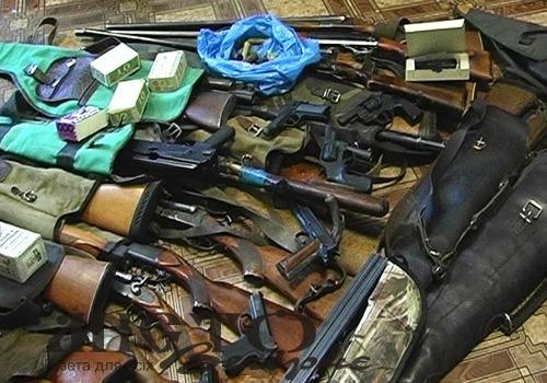 У волинян виявлено дві гранати, понад 800 набоїв та більше кілограма вибухових речовин