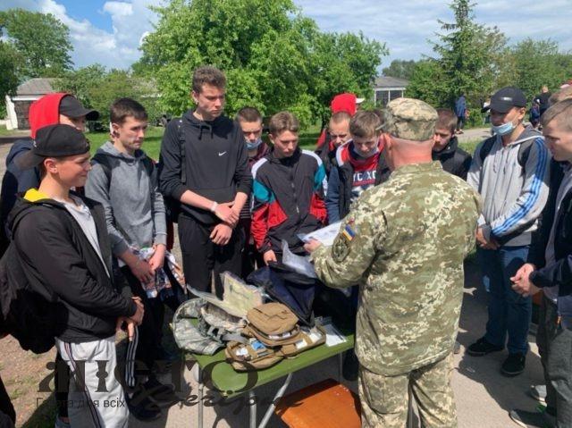 У Володимирі у свято військові запросили дітей