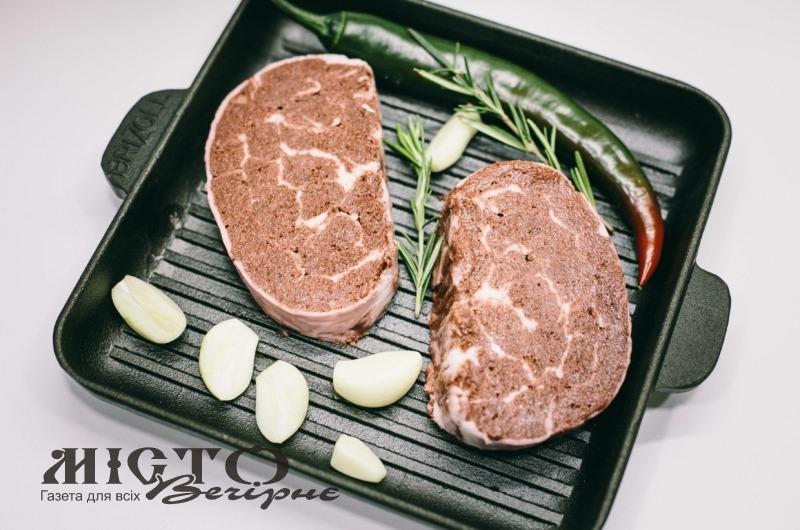В Україні виготовили перший стейк без м'яса