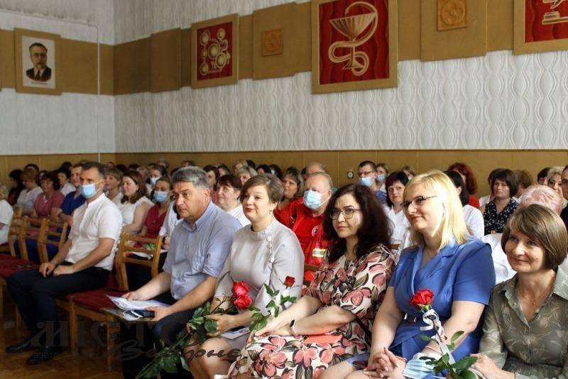 Медиків Володимира привітали з професійним святом