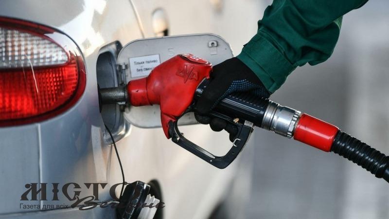 Ціна бензину підскочила до 30 гривень