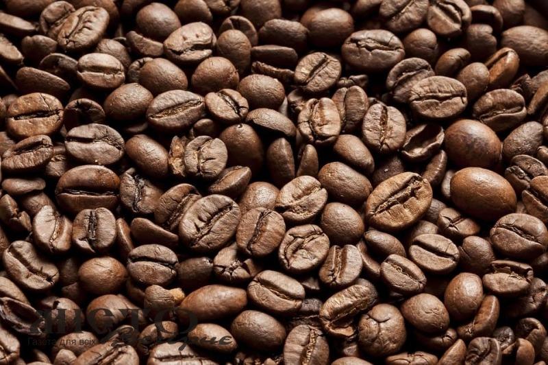 У Франції дорогу заблокувала кава, яка висипалася з вантажівки