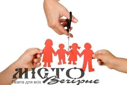 В Іваничах матір п'ятьох дітей позбавили батьківських прав