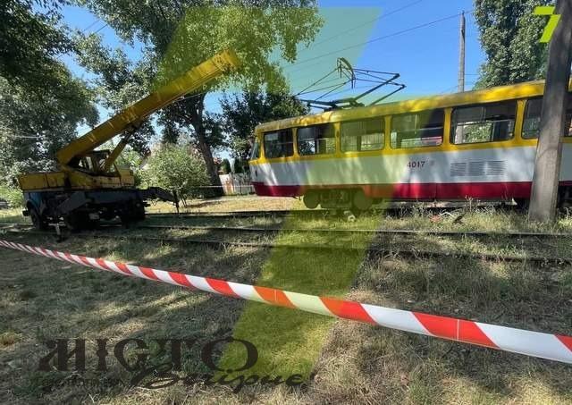 В Одесі під трамвай затягнуло чоловіка, який косив траву