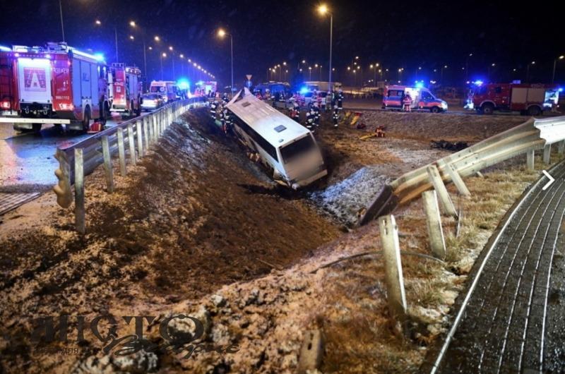 У Польщі знову зазнав аварії автобус з українцями