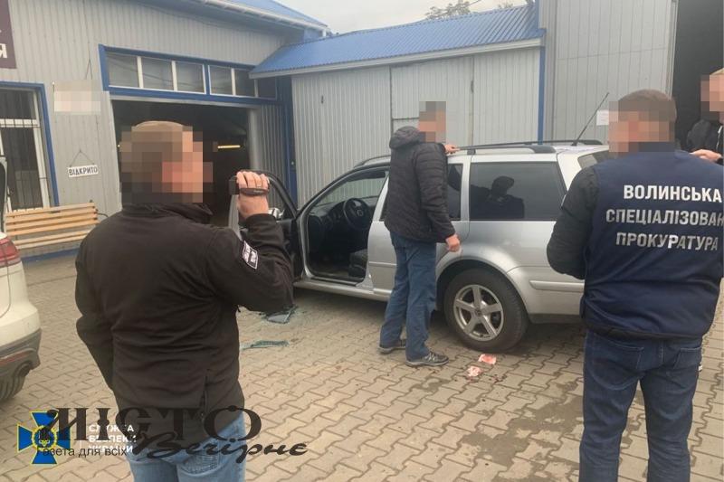 СБУ викрила чиновника, який допомагав призовникам ухилятися від військової служби на Волині