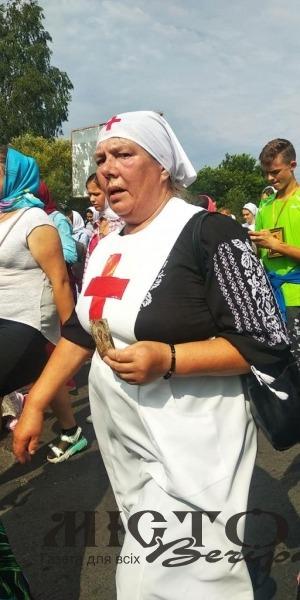 Розпочалася Хресна хода до Почаївської лаври через Володимир