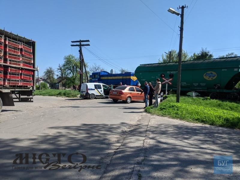 У Володимирі на залізничному переїзді трапилась ДТП