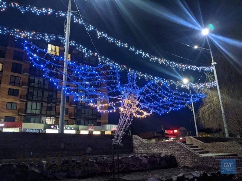 У Володимирі з'явилася нова святкова інсталяція