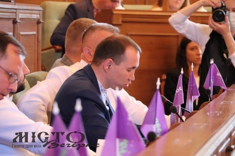 Влада Володимира просить область виділити кошти для житла сім'ї, яка виховує 9 неповнолітніх сиріт