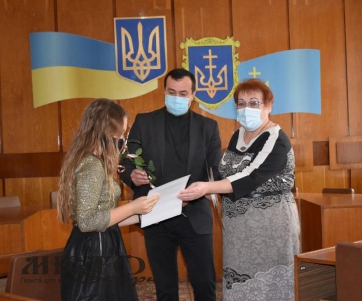 У Володимир-Волинському районі вітали працівників культури та аматорів сцени
