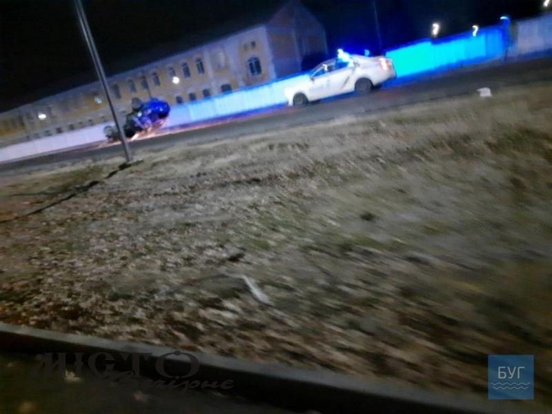 Неповнолітня водійка протаранила паркан військової частини у Володимирі