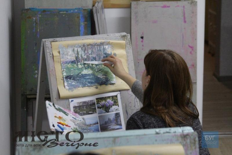 У художній школі Володимира провели майстер-клас з техніки малювання мастихіном