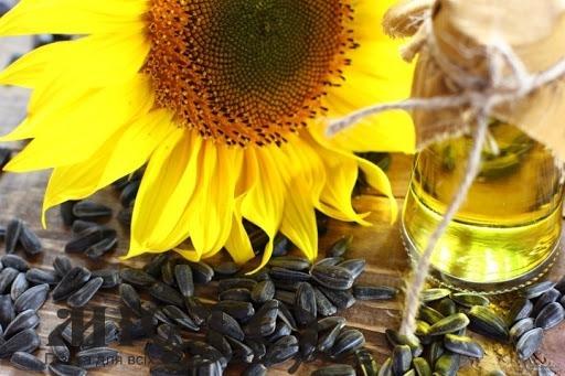 Експерти пояснили чому в Україні рекордно здорожчала соняшникова олія