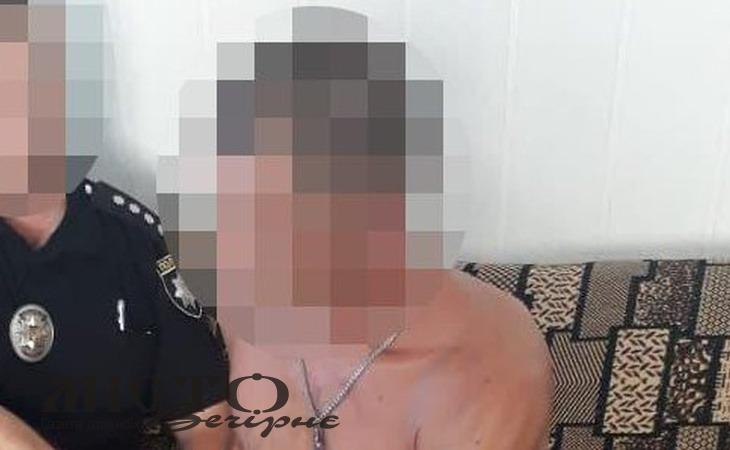 Сусіди розповіли про чоловіка, який палицею вбив матір у Маневичах