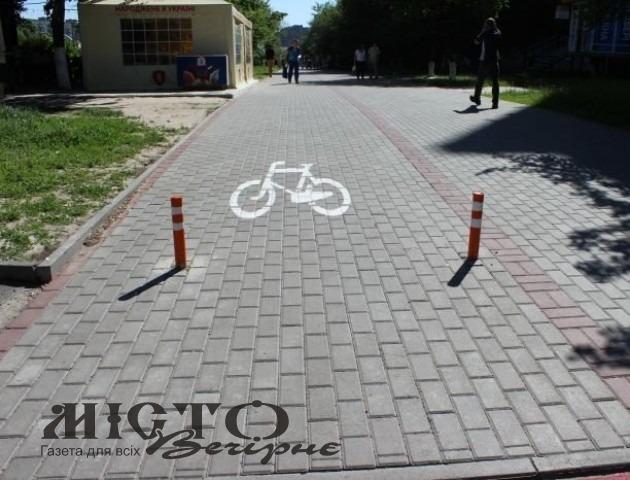 У Володимирі на вулиці Устилузькій цьогоріч облаштують тротуари та велосипедні доріжки
