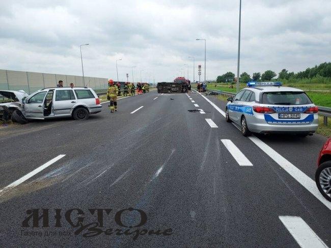 У Польщі в аварії постраждали четверо українців