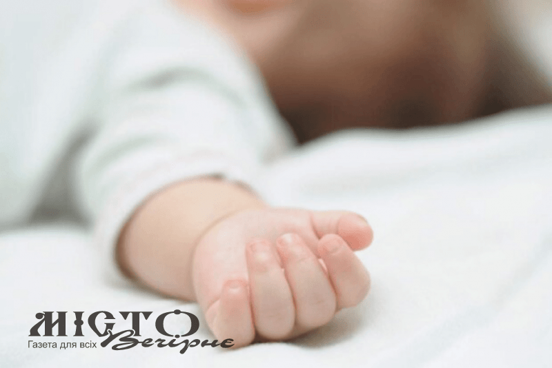 Жителька Устилуга просить небайдужих врятувати її новонародженого сина
