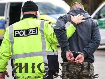 У Польщі українець помер під час затримання поліцією із застосуванням електрошокера