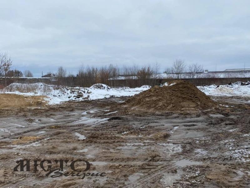 У Володимирі активіст надіслав дві заяви правоохоронцям, щодо злочинних схем з піском