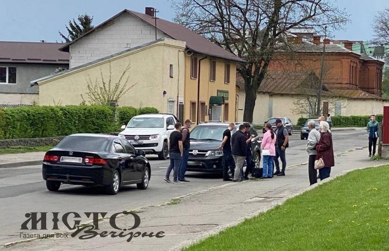 У Володимирі за підозрою в хабарі затримали поліцейського