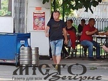 Молодик на луцькій автостанції «чистить кишені» п'яних