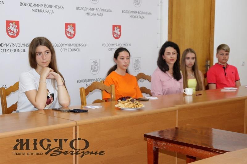 У Володимирі молодіжна рада провела чергове засідання за «кавою з міським головою»