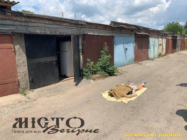 У Луцьку в гаражі знайшли тіло чоловіка