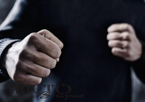 Житель Володимира-Волинського побив та пограбував мешканця Нововолинська