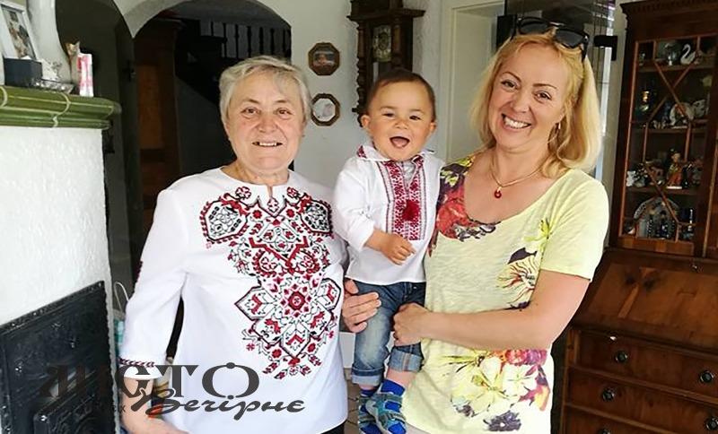 Ми – українці. Наталія з мамою і маленьким Давидом.