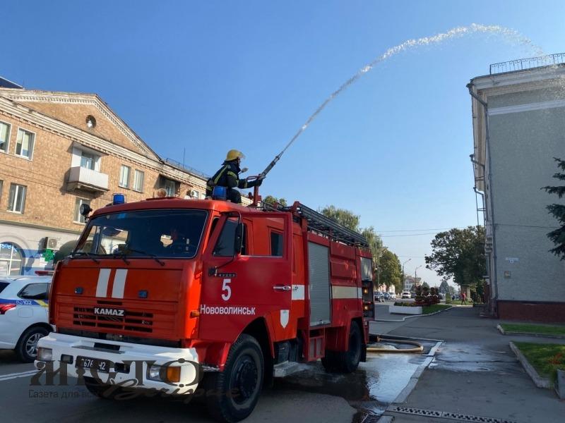 У Нововолинську відбулися тактико-спеціальні навчання для рятувальників